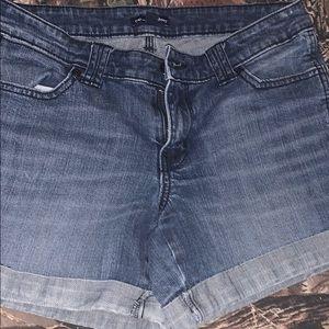 Gal Aubrey shorts